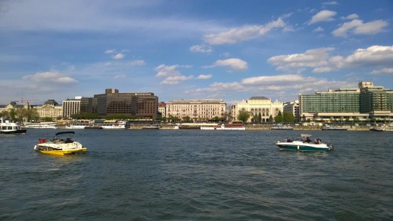 BUDAPEST : speed-boat sur le Danube (65 pax)